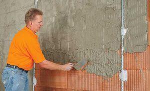 Як швидко і правильно штукатурити стіни своїми руками: відео