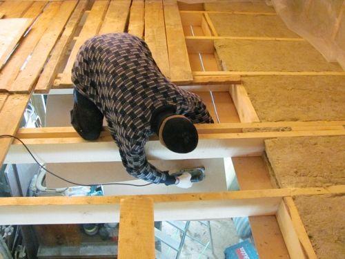 Як зробити дерев`яне перекриття між поверхами своїми руками? Чи не берись без досвіду