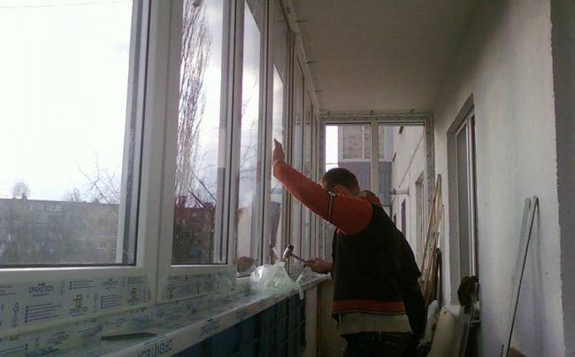 Фото: Виконання скління обов`язково в разі теплоізоляції підлогу і стін