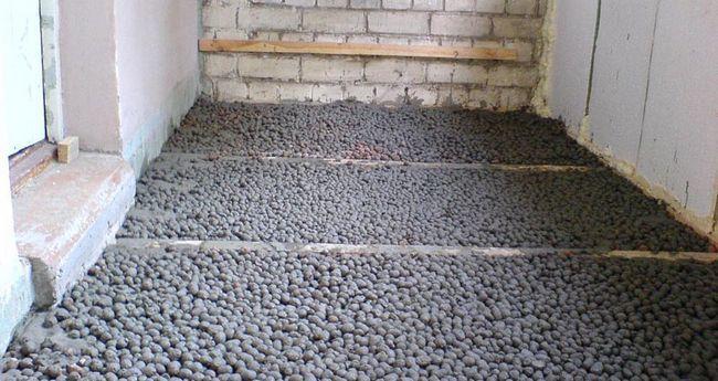 Фото: Утеплення підлоги на лоджії
