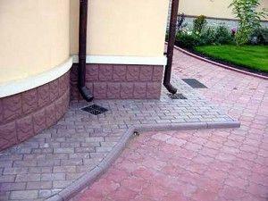 Отмостка з тротуарної плитки своїми руками