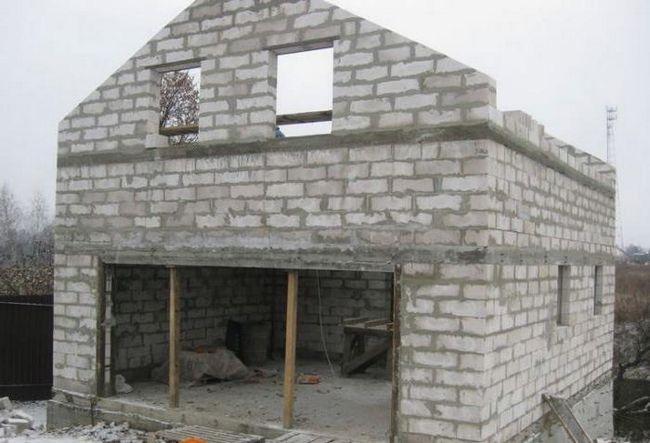 Будуємо будинок з піноблоків